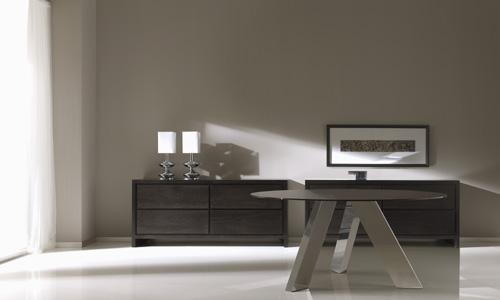 Comedores de dise o mesa de cristal y pies angulados de - Mesas acero y cristal ...