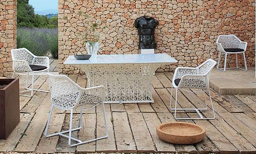 Mobiliario para exterior mesa y sillas dise o patricia for Mesa exterior diseno